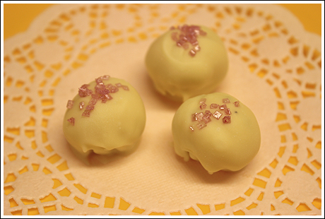 vit chokladtryffel med hallon